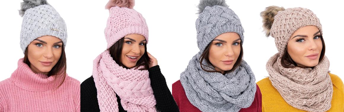 c087f43f6 Zimné obdobie plné chladu a snehových vločiek môžete aj vďaka novej  kolekcii teplých pletených čiapok a šálov prežiť štýlovo a s úsmevom na  perách.